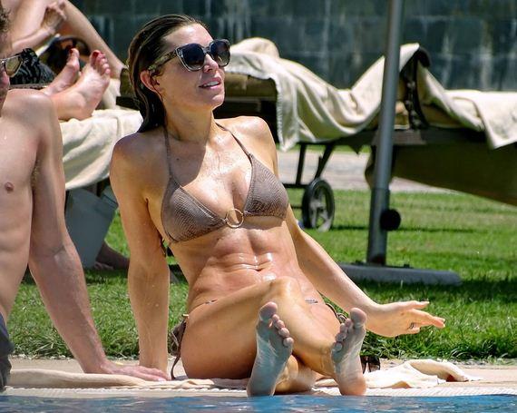 Abbey-Clancy-bikini-dubai
