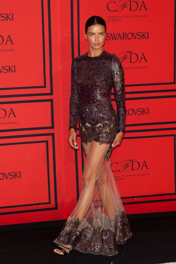 Adriana-Lima-2013-CFDA-Fashion