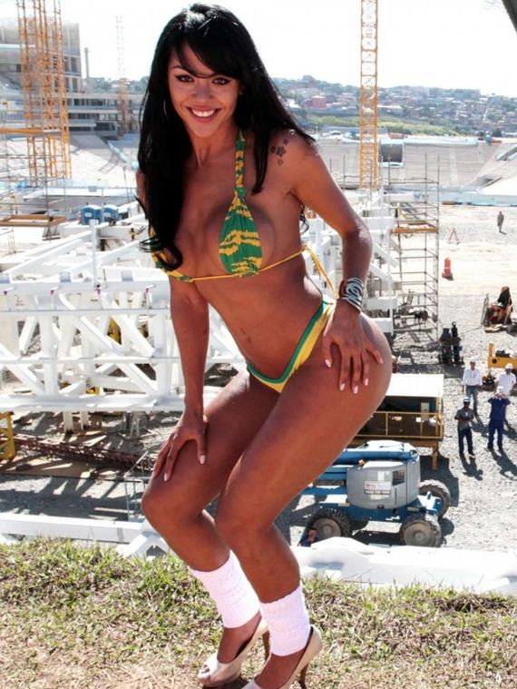 Aline-Bernardes-Bikini-Photoshoot