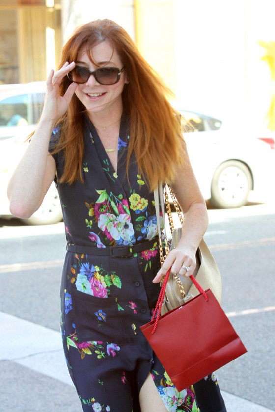 Alyson-Hannigan---Being-nice-about-getting