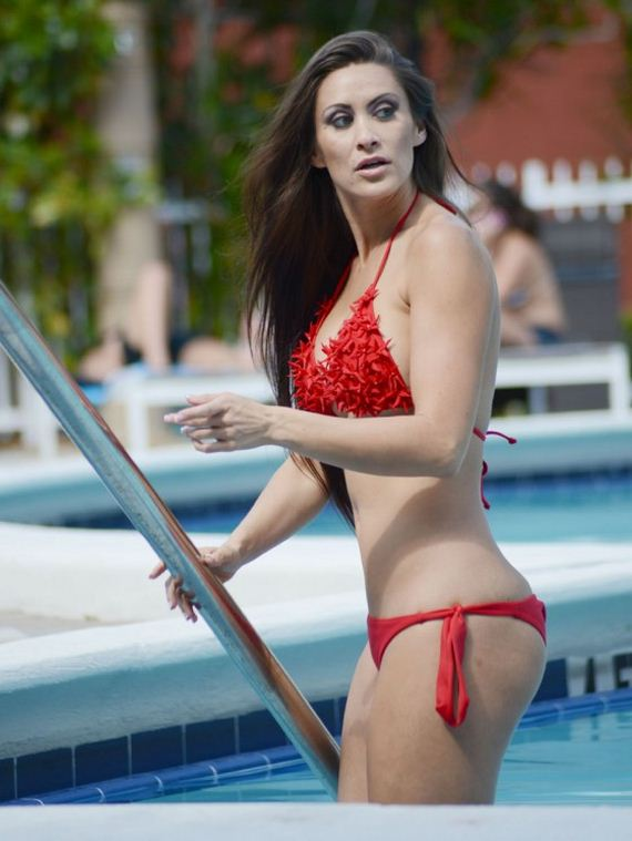 Anais-Zanotti---Bikini-Photos-on-Miami