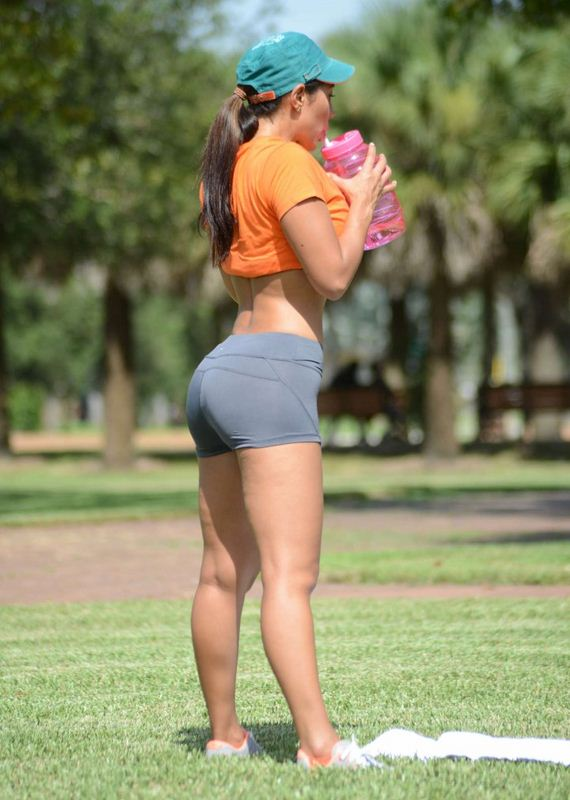 Andrea-Calle-in-Short
