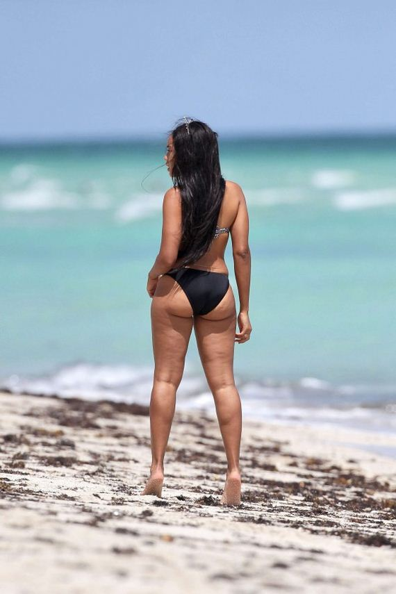 Angela-Simmons-Bikini-Photos