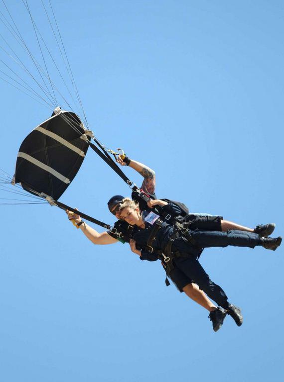 AnnaLynne-McCord-Skydives