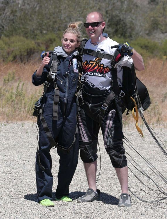 AnnaLynne-McCord-Skydives