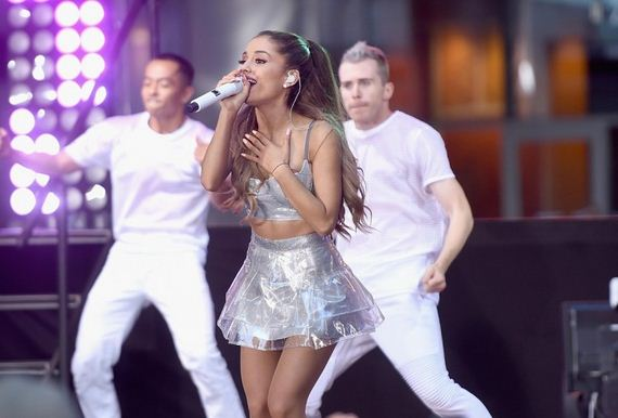 Ariana-Grande -performs-on-NBC