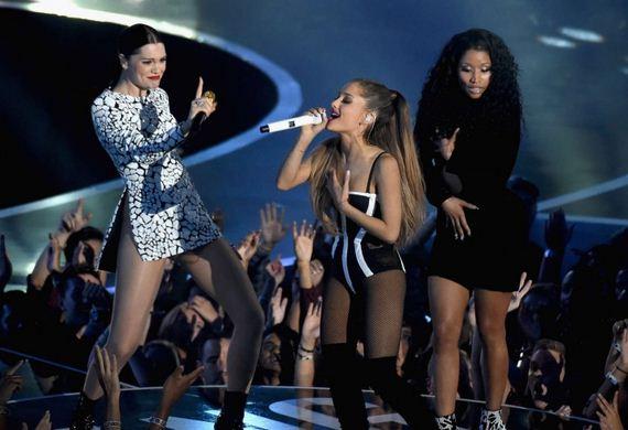 Ariana-Grande41