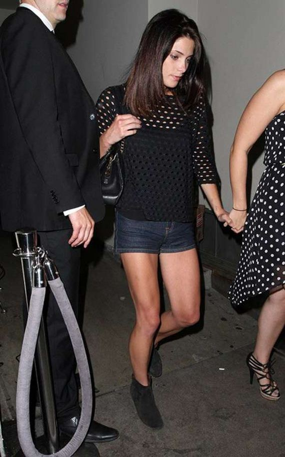 Ashley-Greene-leaving-Sayers-Club-in