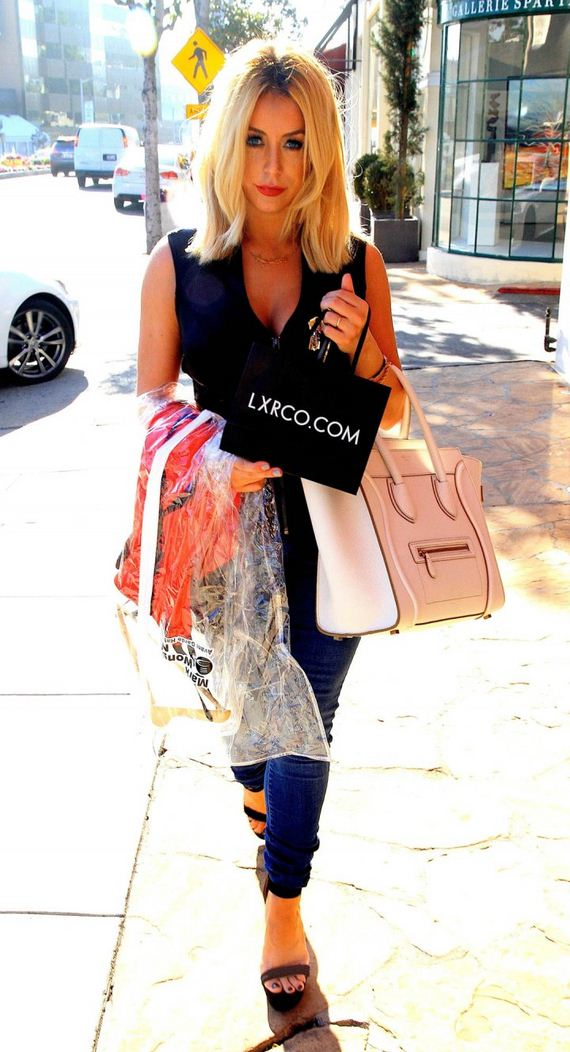 Aubrey-ODay-at-Shopping