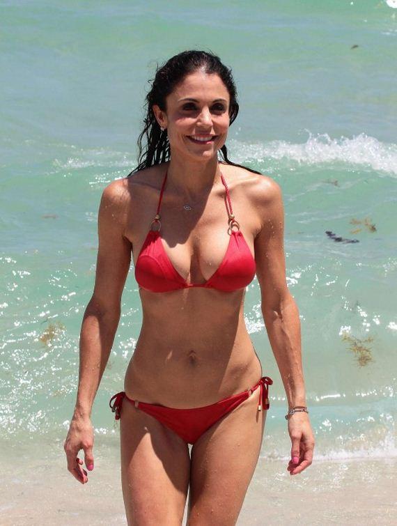 Bethenny Frankel in Bikini on the beach in Miami 2 Pic 9 of 35