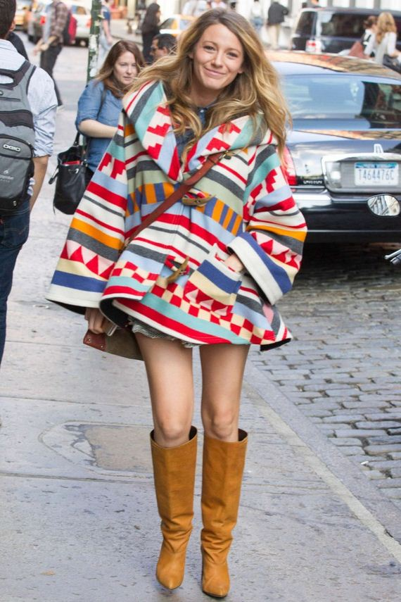 Blake-Lively-leggy-in-boots