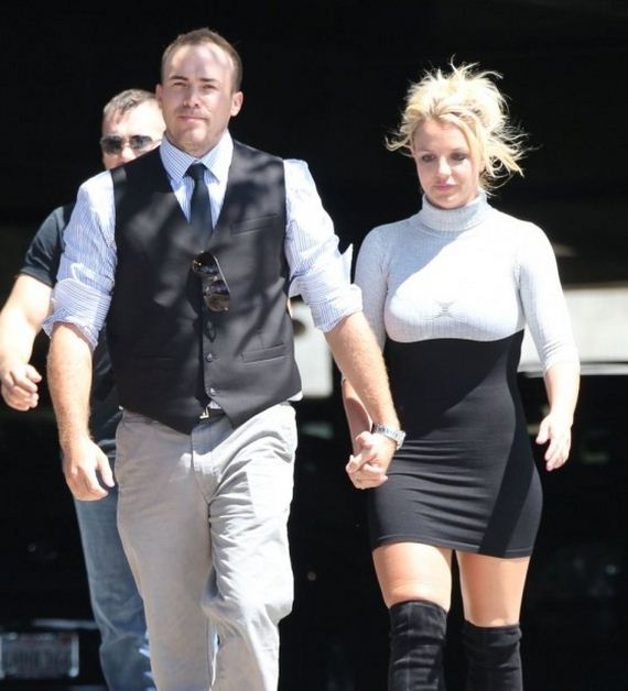 Britney-Spears-attends-church-in-Thousand