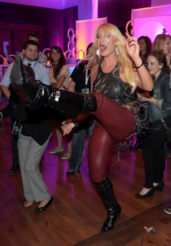 Brooke-Hogan -Performs-Live-at-IEBA-2014-Conference