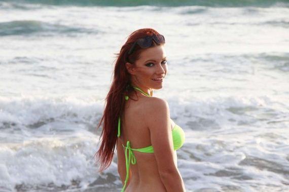 Caitlin-OConnor-Bikini-Photos-at-Malibu