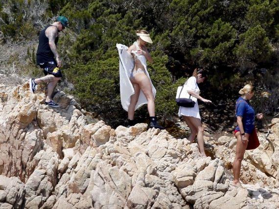 Cameron-Diaz-bikini-photos