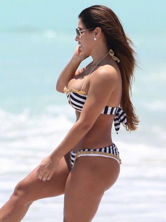 Carmen-Ortega-in-a-Bikini