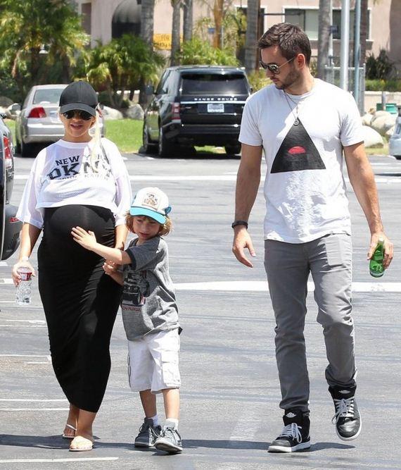 Christina-Aguilera---Going
