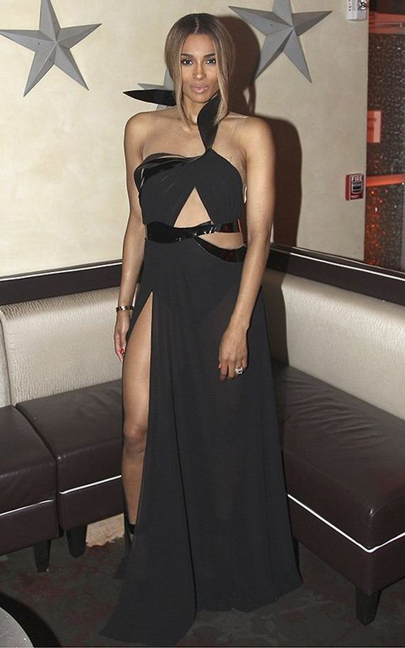 Ciara-Flashes-15-Carat