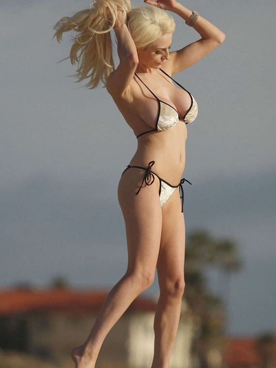 Courtney-Stodden-Bikini-Photos -Los