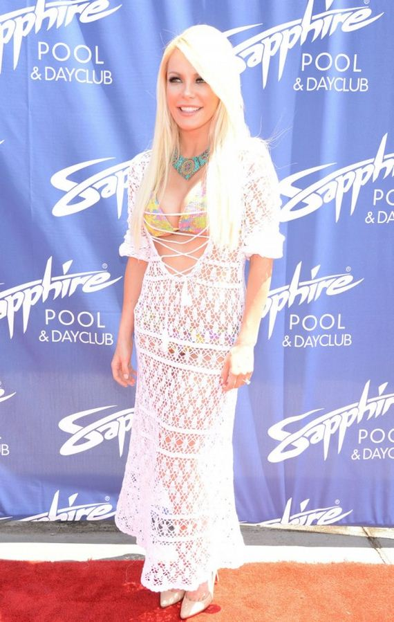 Crystal-Harris---Sapphire-Pool-and-Day-Club-in-Las