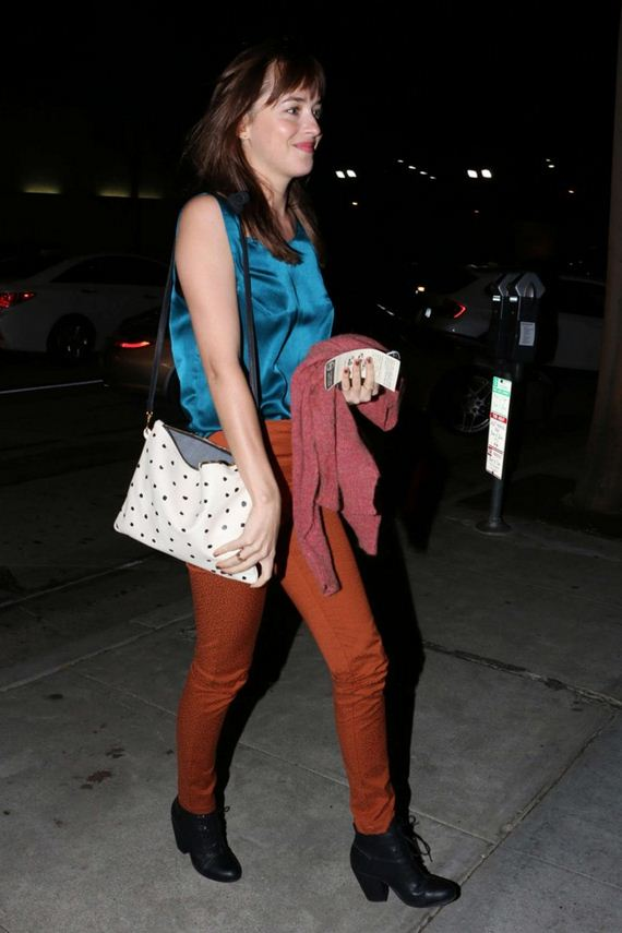 Dakota-Johnson-at-Craigs-Restaurant