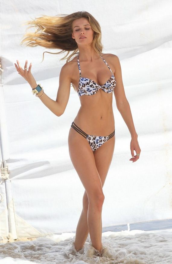 Edita-Vilkeviciute-Bikini-Photos-for-VS-2013