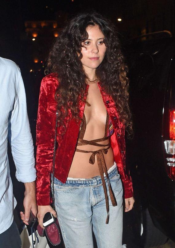 Eliza-Doolittle-in-Ripped-Jeans