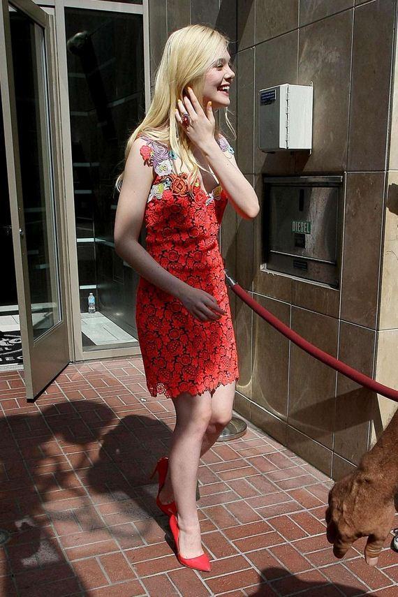 Elle-Fanning-in-red-dress