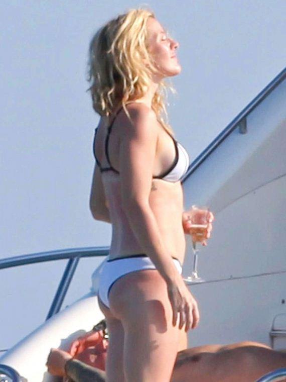 Ellie-Goulding-in-a-Bikini