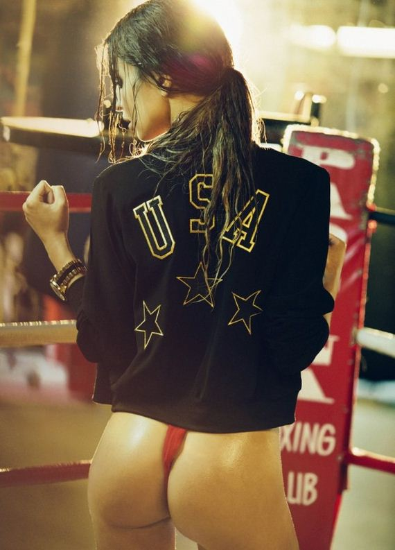 Emily-Ratajkowski-in-the-Boxing-Ring-by-Olivia