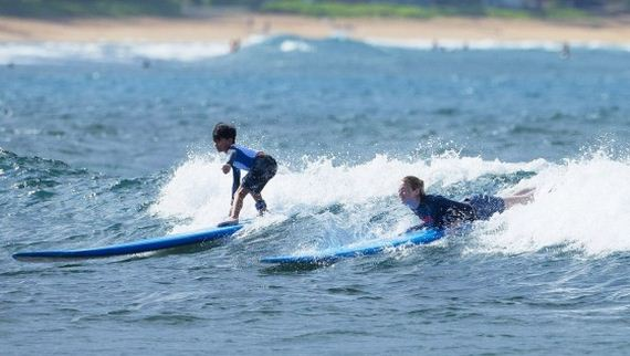 Emma-Stone-Surfing