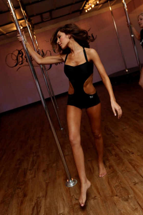 Farrah-Abraham---Stripper-Pole-Workout