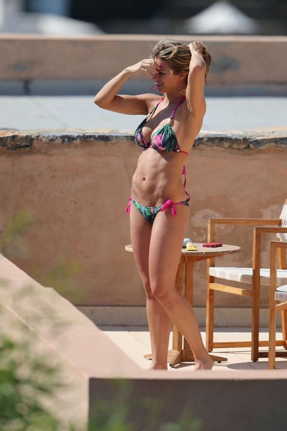 Gemma-Atkinson---Bikini-Candids