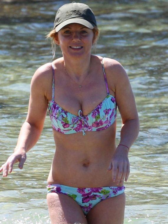 Geri-Halliwell-Bikini-2013