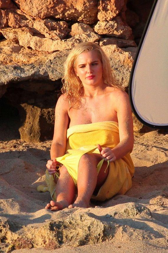 Helen-Flanagan-in-Bikini