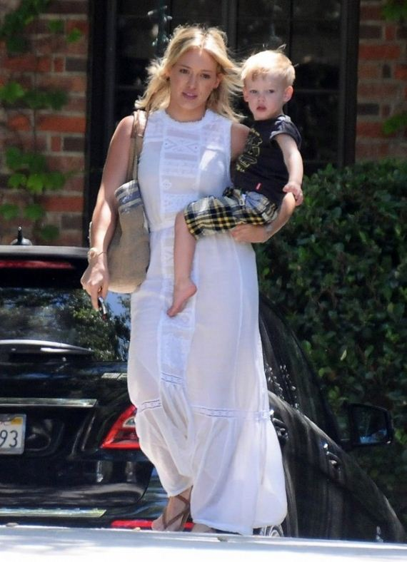 Hilary-Duff-with-her-son