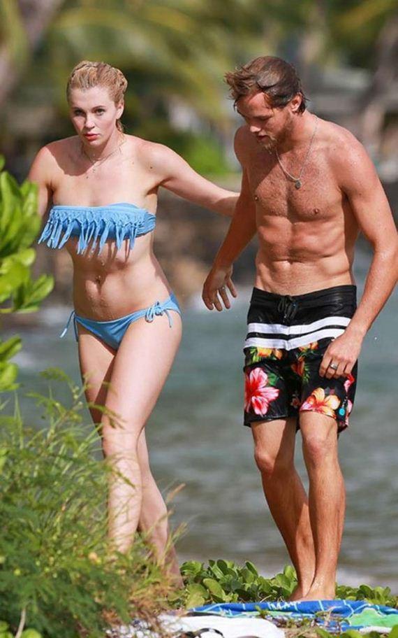 Ireland-Baldwin-in-a-bikini