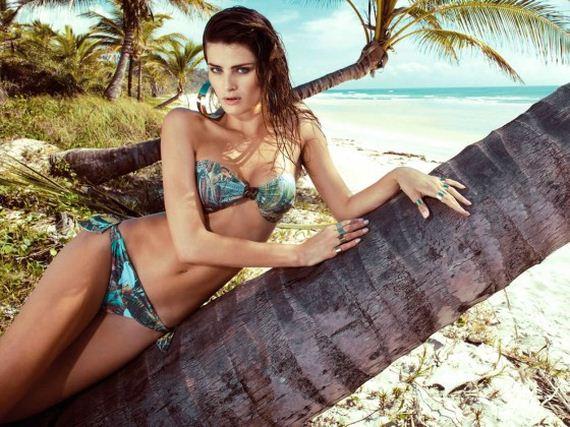 Isabeli-Fontana---Morena-Rosa-Beach-Campaign