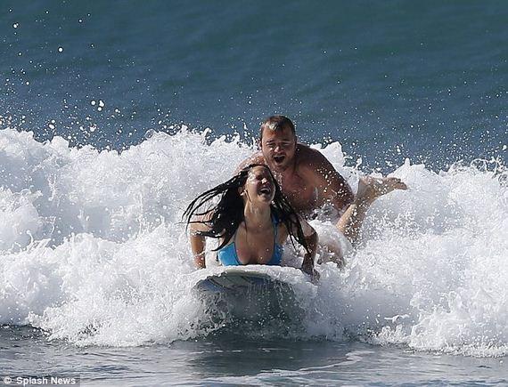 Jennifer-Lawrence-displays-incredible-beach