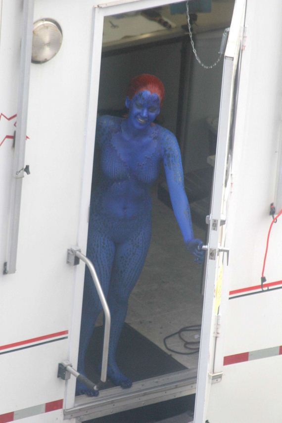Jennifer-Lawrence-on-the-X-Men-set-in-Montreal