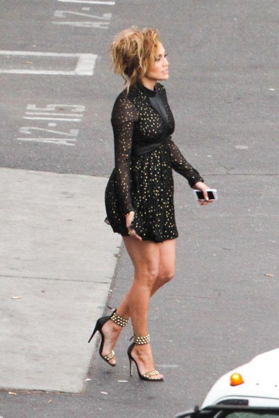 Jennifer-Lopez-in-Black-Mini