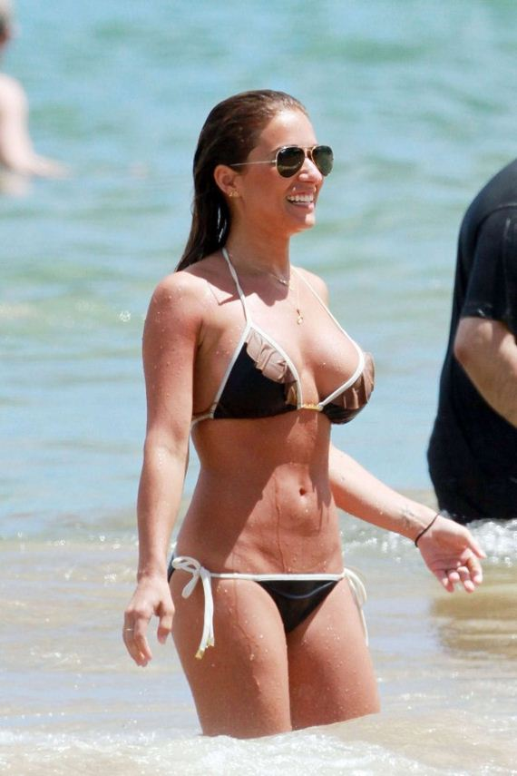 Jessie-James-in-Black-Bikini-in-Mau