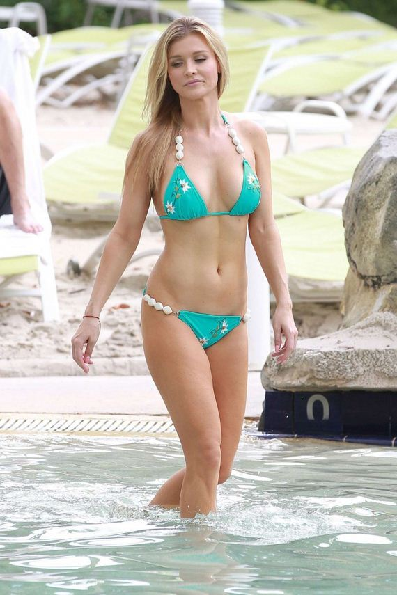 Joanna-Krupa-in-bikini-at-a-pool