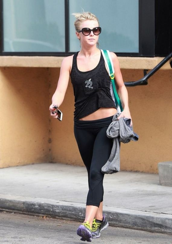 Julianne-Hough---leaving-a-gym-in-Studio