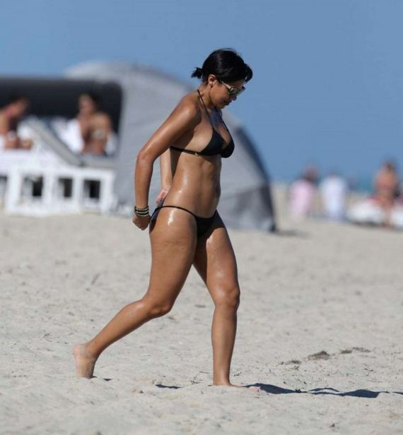 Julissa-Bermudez-Black-Bikini-Photos