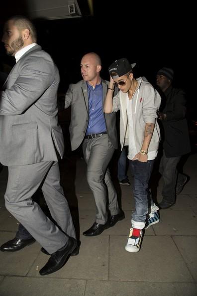 Justin-Bieber-Brings-Date-See-Justin-Timberlake