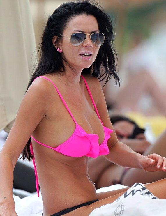 Karina-Jelinek-in-Pink-Bikini