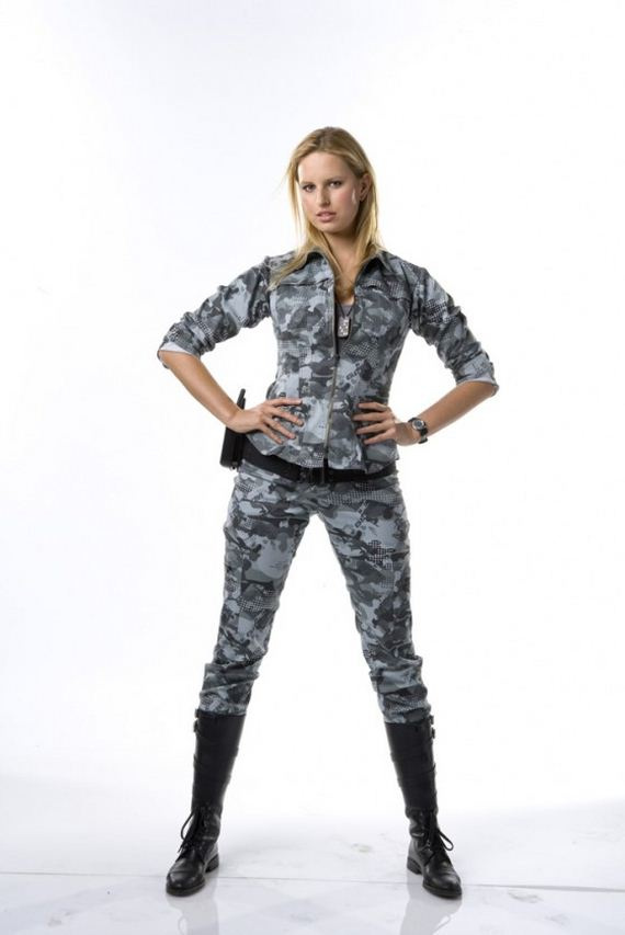 Karolina-Kurkova-GI-Joe-The-Rise-of-Cobra-Promo-Shoot