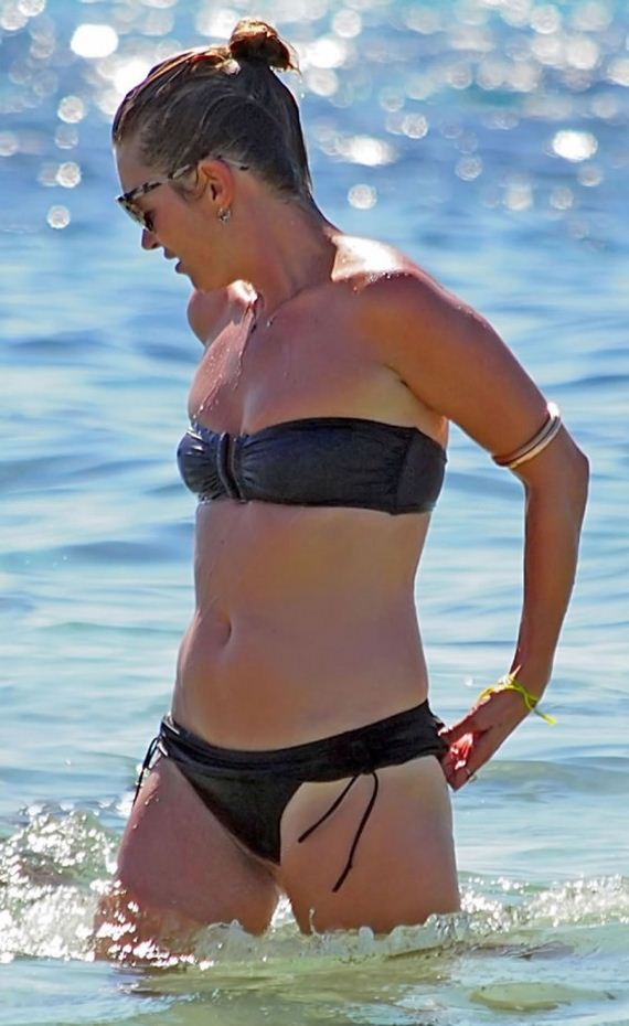 Kate-Moss-in-bikini-in-Formentera