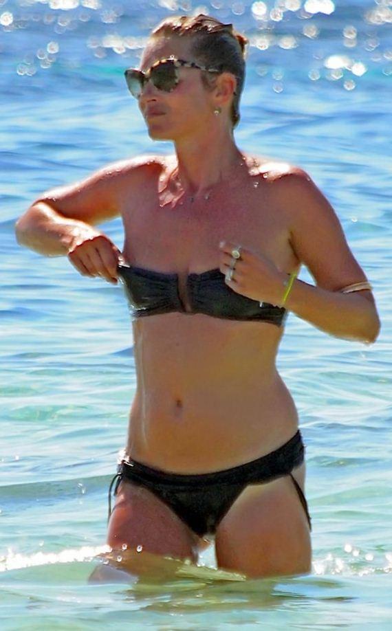 Kate-Moss-in-bikini-in-Formentera